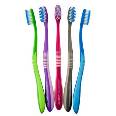 Jordan, Зубна щітка з ультра тонкою і гнучкою щетиною Clean Between (жорсткість середня)